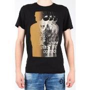 T-shirts m. korte ærmer Lee  Photo Tee Black L60BAI01